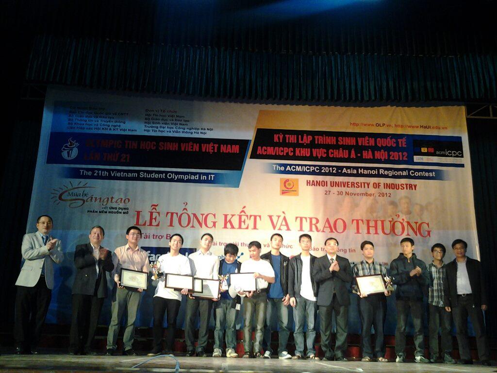 Những thí sinh đoạt giải tại cuộc thi Mùa hè sáng tạo 2012