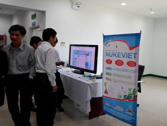 Gian trưng bày của NukeViet tại Hội thảo quốc gia ứng dụng và phát triển phần mềm nguồn mở 2013 (Ảnh: nukeviet.vn)