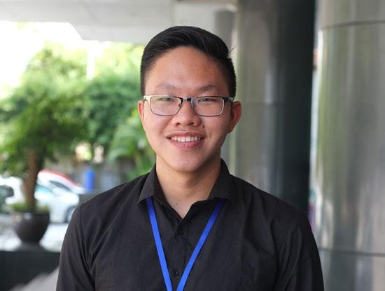Hoàng Anh, cựu sinh viên ngành Kỹ thuật phần mềm là Thủ khoa đầu ra của trường Đại học FPT năm 2016 với điểm trung bình toàn khóa đạt 9,0.