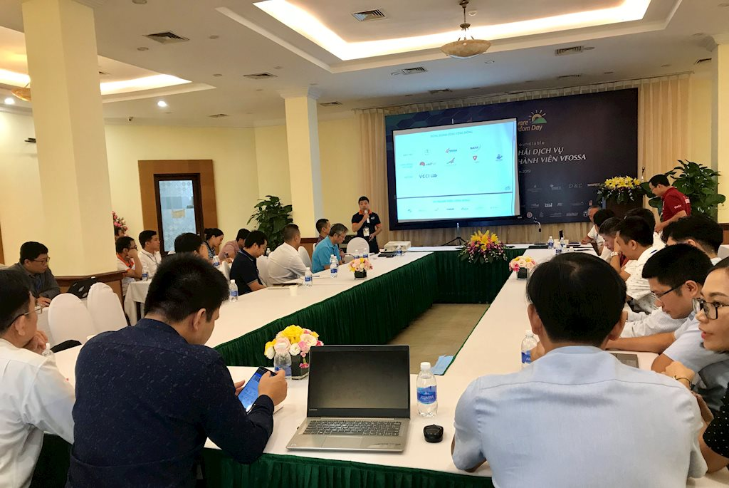 Ông Lê Phú Cường, Phó Giám đốc Công ty FDS FDS giới thiệu về Phần mềm nguồn mở OpenCPS dành cho dịch vụ công trực tuyến tại Software Freedom Day 2019.