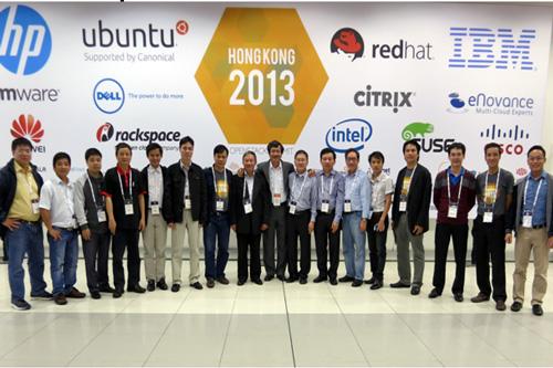 Đoàn Việt Nam tham dự OpenStack Summit Hồng Kông.